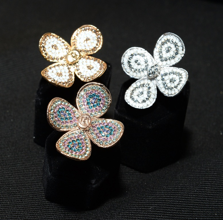 Rose Gold Tone Clover ring by Kaiio style rings gorgeous trends jewelry