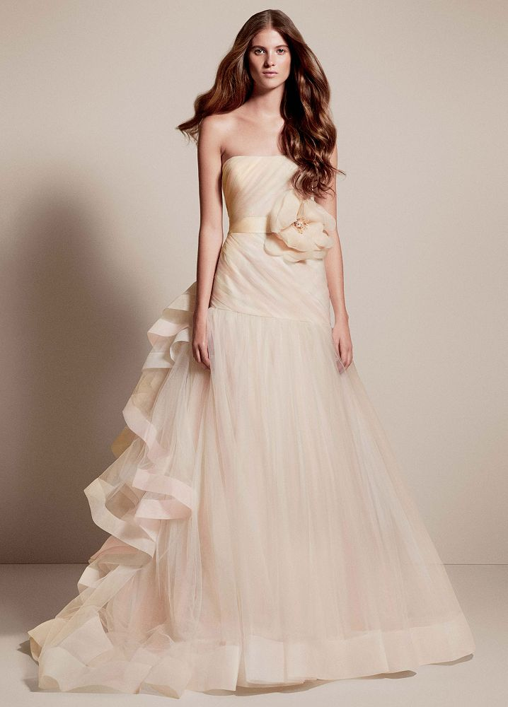 Vera Wang Fita and Flare Wedding Gown hot bridal dress trends for 2014