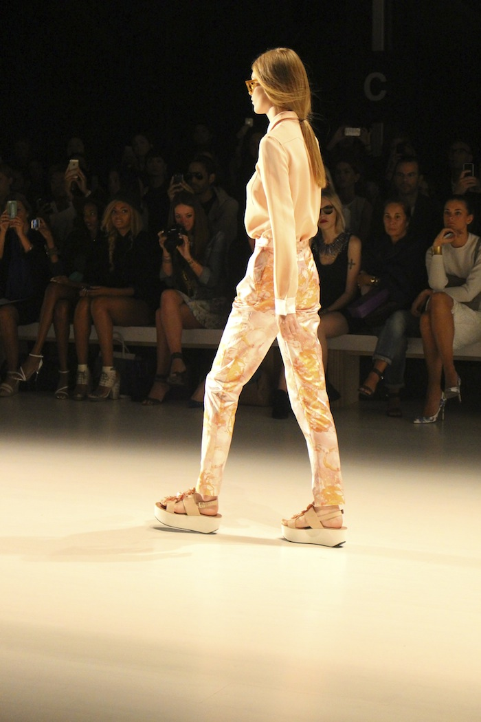 Runway Look From NYFW Virtual Dressing Room App From Your Phone
