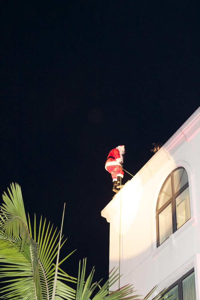 Beverly Hills Santa Clause From The Luxe Hotel Going down the wall Lighting Ceremony Party 2014