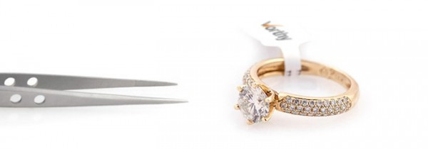 Sell Luxury Jewelry online in an auction worthy
