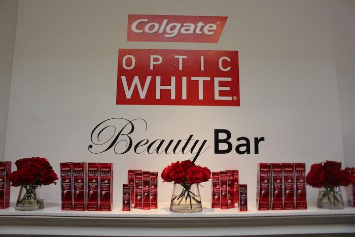 Colgate White teeth fashion blogger trends for the golden globes 2015 show in LA