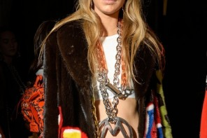 Milan Fashion Week How to Get Natural Moschino Beauty With MAC